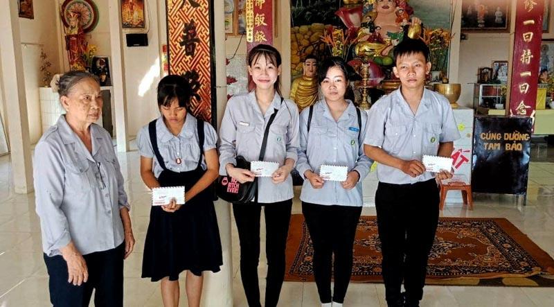 học sinh đón Tết trong điều kiện khó khăn